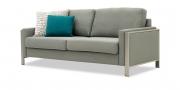ARUBA - 2,5 Platz Sofa in grau meliertem Stoff in seitlicher Ansicht mit Zierkissen