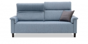 BATIDA - 2,5 Platz Sofa im Stoff HF Oliviera denim mit Dekokissen