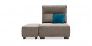 BELUGA - 1 Platz Sessel mit Hocker in braunem Stoff
