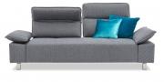 BELUGA - 2,5 Platz Sofa im grauen Stoff Metisa von Höpke mit blauen Dekokissen
