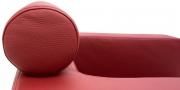 CARO - Detailbild Kopfrolle in Leder rot