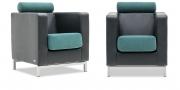CARO - Sessel in Leder Ibiza schwarz Kopfrolle und Sitz in Stoff Sonnhaus Villena achat blau
