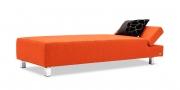 CENTO - Liegesofa mit Kopflehne zum klappen in Stoff orange mit Zierkissen