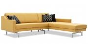 CHESTERFIELD - 2 Platz Sofa mit Longchair ohne Knopfheftung in Leder Napoli natur mit Dekokissen