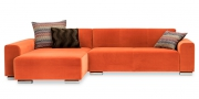 MIRO - 2 Platz Sofa mit Longchair in orangenem Stoff Boatex Hollywood
