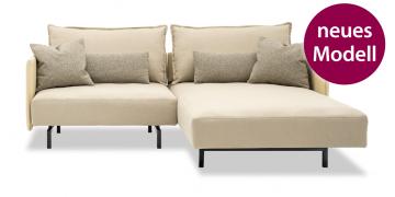 neues Modell OCEAN - 1 Platz Sofa mit Longchair in Stoff-Leder-Kombi beige mit Zierkissen
