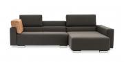 SIRIUS - 2,5 Platz Sofa mir Longchair in braunem Stoff mit losem Rückenkissen auf Armlehne
