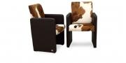 SOLO - Sessel in dunkelbraunem Lederr mit Sitz und Rücken in Kuhfell