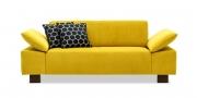 VENTANA - 2 Platz Sofa im gelben Stoff Sonnhaus Villena curry mit Zierkissen
