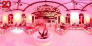 Weitwinkel Bild von Matratzen für 20 night pop up restaurant