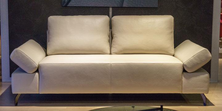 reduziertes Ausstellungsstück Sofa Indigo in Leder creme