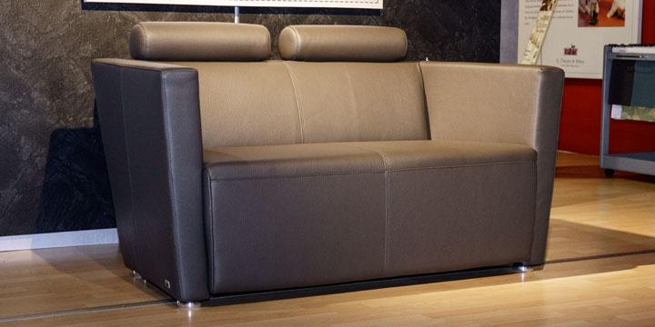 reduziertes Ausstellungsstück Sofa Arthe in Leder taupe