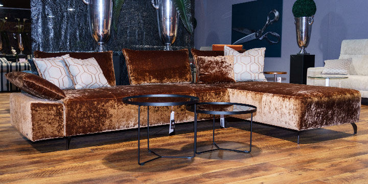 reduziertes Ausstellungsstück Sofa Beluga in Velvet copper