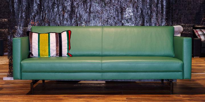 reduziertes Ausstellungsstück Sofa Chester in Leder grün