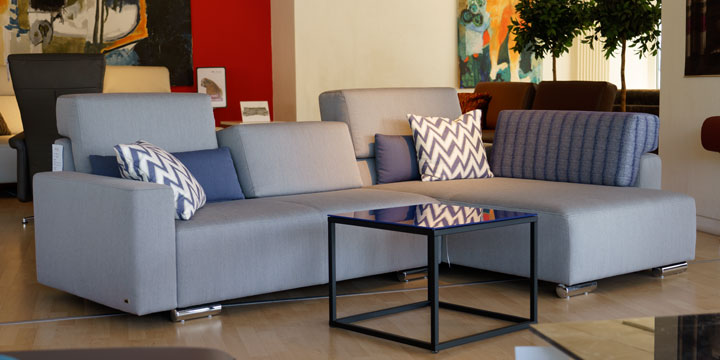 reduziertes Ausstellungsstück Sofa Sirius in Stoff hellgrau