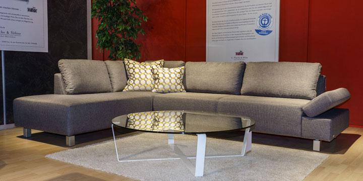 reduziertes Ausstellungststück Sofa Indigo in Stoff grau