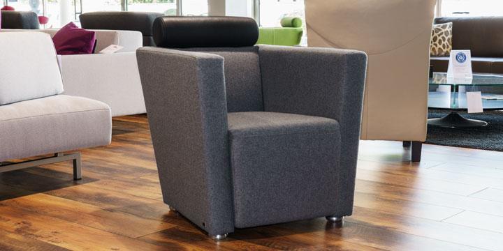 reduziertes Ausstellungsstück Sessel Arthe in Wollstoff grau