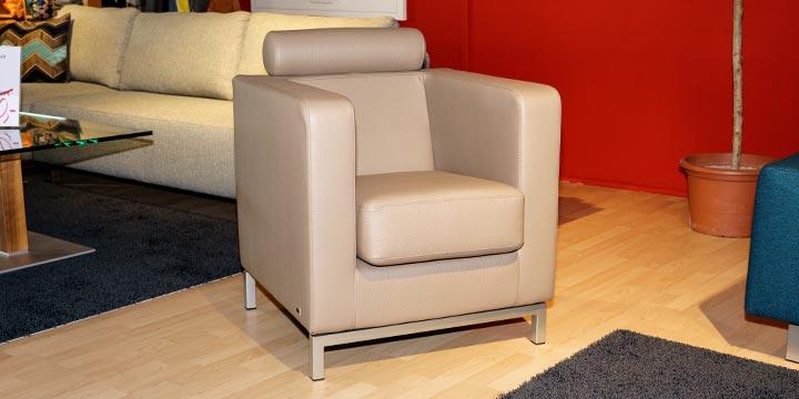 reduziertes Ausstellungsstück Sessel Caro in Dickleder beige