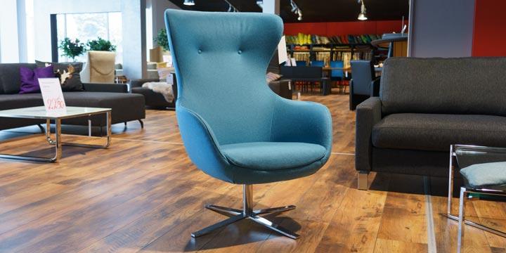 reduziertes Ausstellungsstück Sessel Queen in Wolle hellblau