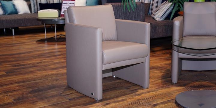 reduziertes Ausstellungsstück Sessel Vista in Kunstleder taupe