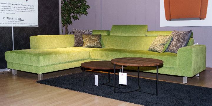 reduziertes Ausstellungsstück Sofa Begum in Stoff Piompinogrün