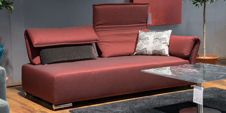 Bono - 2,5 Platz Sofa mit Armlehne Fugo Stoff Elize rot