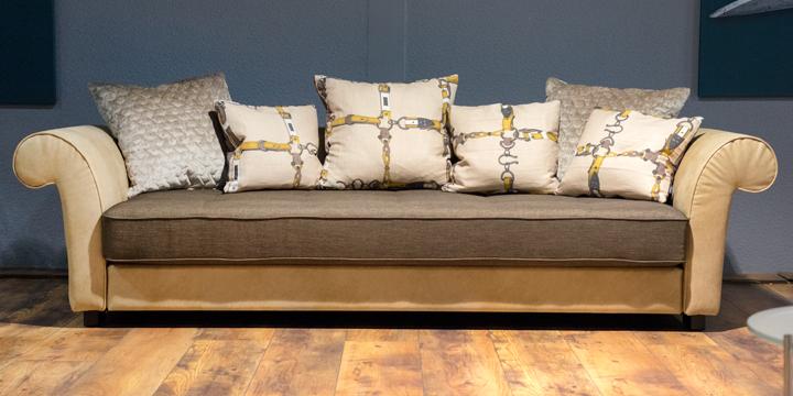 Divan - 3 Platz Sofa inkl. Zierkissen in Stoff Rho natur, Sitzkissen Stoff braun