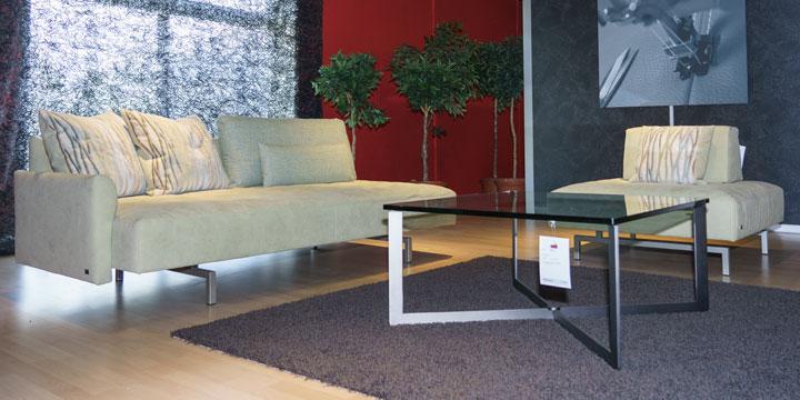 Easy - 3 Platz Sofa + Hocker bezogen in Alcantara edelweiß
