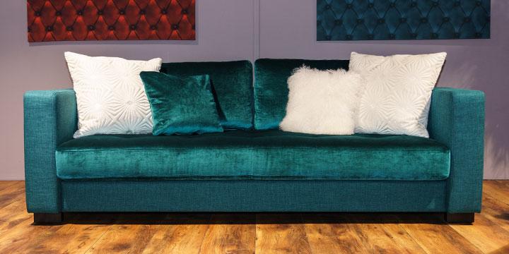 Sale Ausstellungsstück Sofa Living in Stoff blau samt