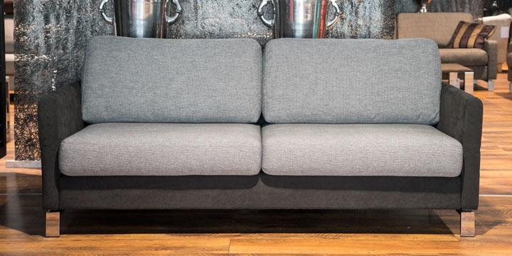 Milo - 2,5 Platz Sofa mit beweglichen Armlehnen