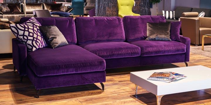reduziertes Ausstellungsstück Sofa Salma in Samtstoff violett