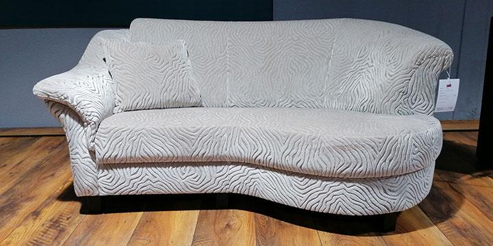 Turin - 2 Platz Sofa mit Rhombus Stoff S&V Mirage silber