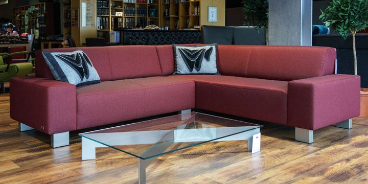 reduziertes Ausstellungsstück Sofa Vento in Stoff Elize rot meliert