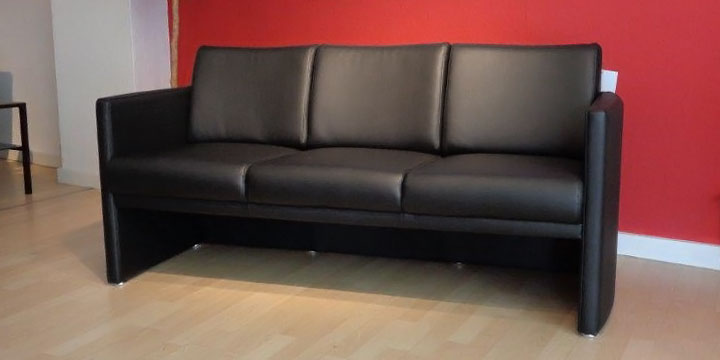 reduziertes Ausstellungsstück Sofa Vista in Kunstleder schwarz