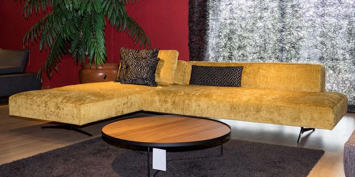 Wave - 3 Platz Sofa + Longchair in Stoff JAB Balou gelb