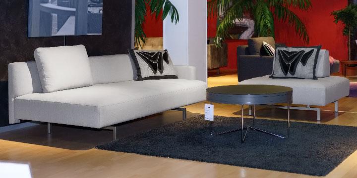 reduziertes Ausstellungsstück Sofa Easy mit Hocker in Stoff ligh grey